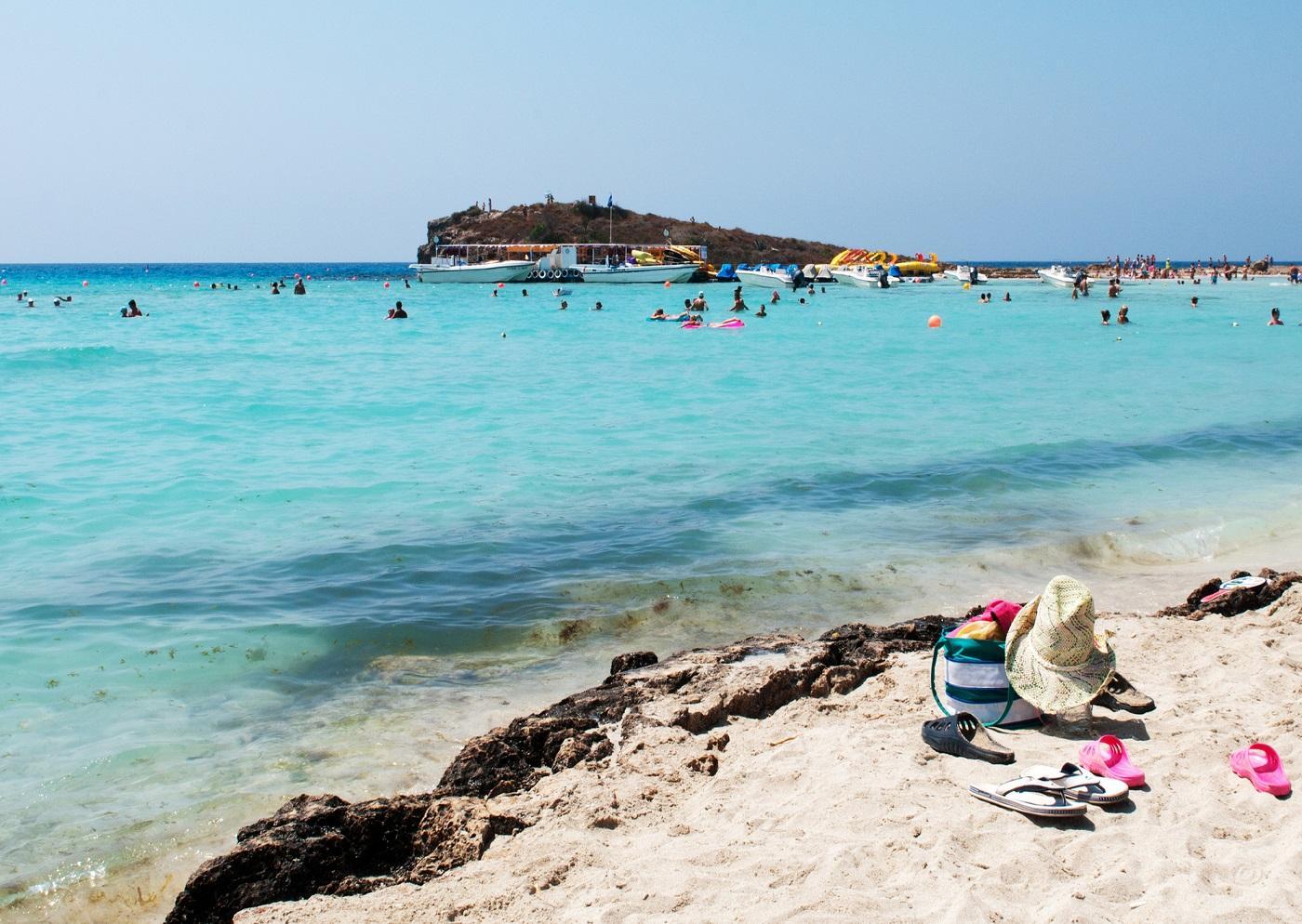 Как получить гражданство Кипра и что оно дает владельцу