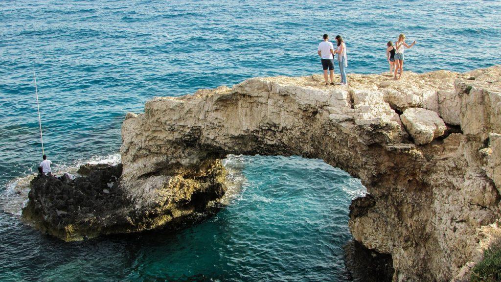 Гражданство Кипра за инвестиции для детей. Паспорт Кипра